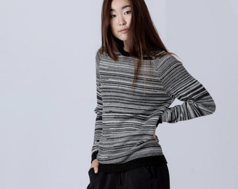 Woman jumper / melange wool jumper woman knit pullover alpaca wool sweater marled sweater gray white black wool sweater / woman wool jumper