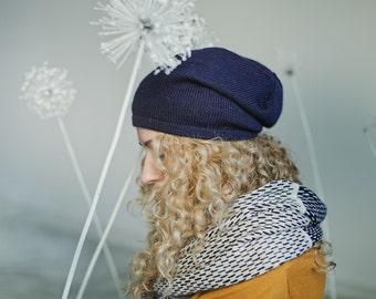 Slouchy hat woman