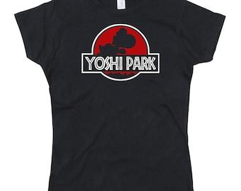Mesdames Yoshi parc Jurassic Park parodie Tshirt (Version rouge)