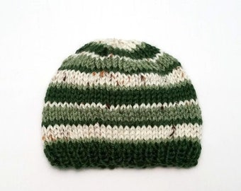 4fc101736a4 Green baby hat