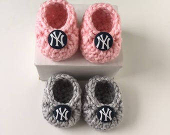 Yankees baby booties, baby booties, Yankees baby girl booties, crochet baby booties, booties for baby, crochet baby shoes