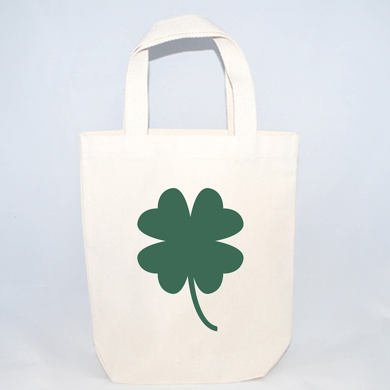 226d3f4aa2540 Set of 6 Shamrock Custom Screen Printed Canvas Bags For Wedding Guests,  Bachelorette Parties, Beach Bags