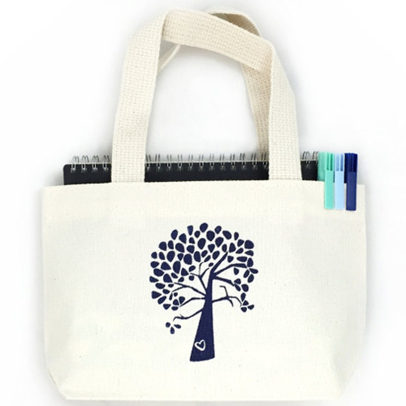006e155258563 Set of 6 Tree and Heart Custom Screen Printed Canvas Bags For Wedding  Guests, Bachelorette Parties, Beach Bags