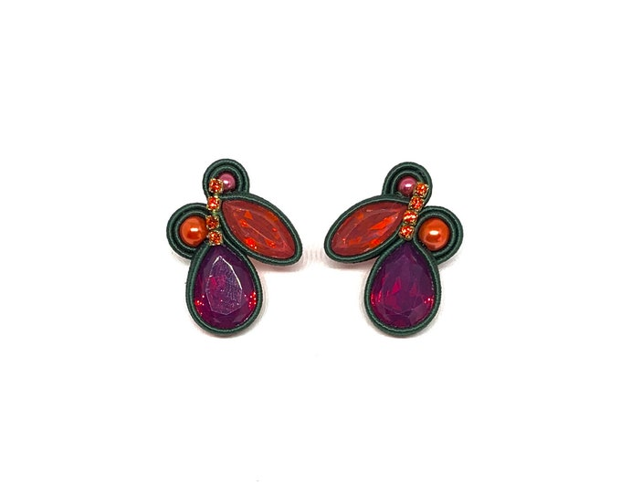 Small resin earrings