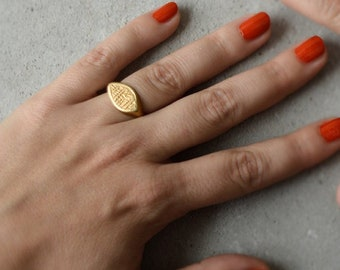 Gold Signet Ring Vintage, Unique Signet Ring, Unique Antique Ring, Top Ring, Marquise Ring, Textured Ring, Ethnic Gold Jewelry, Ethnic Ring