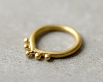 Unique Gold Ring, India Ring, India Jewelry, Minimalist Dainty Ring, Geometric Gold Ring, Dot Ring, Thin Gold Ring, Triangle Ring, Crown