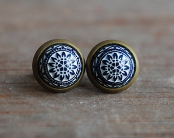 Cabochon Earstuds