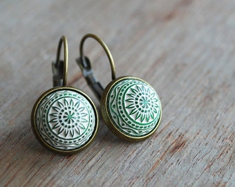 Silky green mosaic earrings / handmade / fall trends / geometric / urban romantic / modern