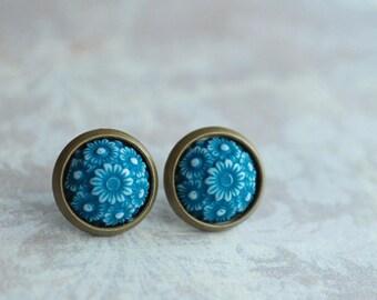 """Emerald Flowers  """""""" Flower Cabochon Earrings, green, vintage style jewelry, summer earrings, earstuds"""