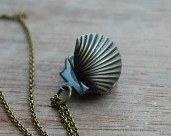 Venus - Vintage inspired shell-locket necklace / romantic  gifts for her / keepsake