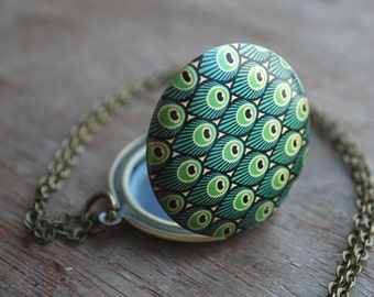 Art Deco inspired locket necklace / keepsake / gifts for her / peacock feathers / green
