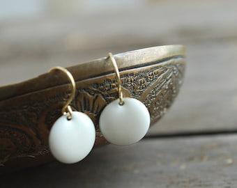 White enamel earrings // wedding // bridal // elegant // white gold