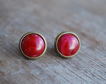 Sparkling red cabochon earstuds // antique bronze tone // brass // christmas jewelry // festive