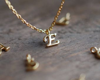 Initial necklace . personalized gift for mom . wedding party gifts . custom necklace . gifts for her