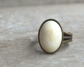 "Winter white """" Adjustable oval Ring"