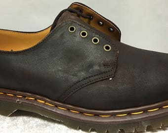 Vintage Dr. Martens Bark 4 Eyelet Shoes in size 12