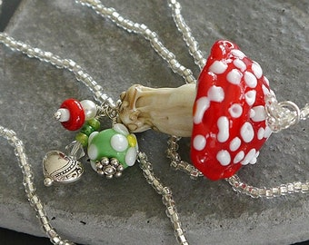 Lampwork bead  necklace  |  made by silke   |  art glass    |  SRA  | OOAK | toadstool | mushroom