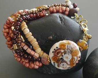 Bracelet with lampwork bead  |  made by silke  |  Ibiza Style  |  Boho  |  art glass  |   floral  |  SRA  | OOAK