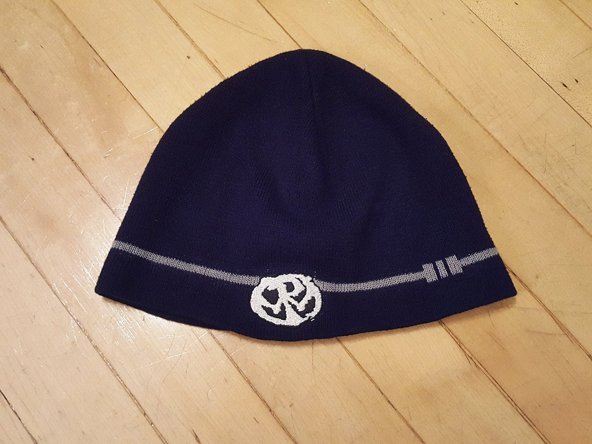 90s Pennywise Skullcap Beanie hat Epitaph NOFX Rancid Bad  f86214568a9