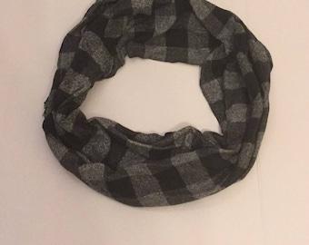 Black and gray Plaid Blanket Scarf/Plaid  Blanket Scarf/Winter Scarf, Oversized Scarf, Plaid Tartan Scarf, chunky scarf