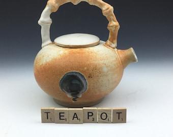 Ceramic pottery handmade 24 fluid ounce kettle jug pot teapot