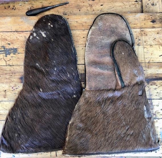 Late 18th Century Beaver Skin Carriage Gloves
