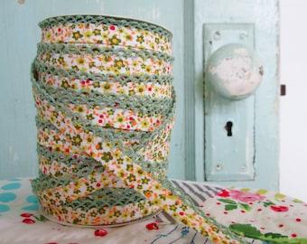 Woodland Moss Crochet Edge Double Fold Bias Tape  (No. 77).  Green Floral.  Green Bias Tape.  Green Quilt Binding.  Green Calico.
