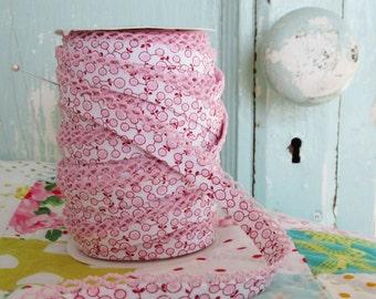 Pink Whimsy Crochet Edge Double Fold Bias Tape  (No. 75). Pink Fabric.  Pink Trim.  Pink Crochet Bias.  Pink Quilt Binding.