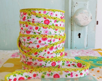 Fuchsia Floral Yellow Crochet Edge Double Fold Bias Tape  (No. 65). Yellow Floral.  Pink and Yellow.  Floral Fabric.  Pink Floral.