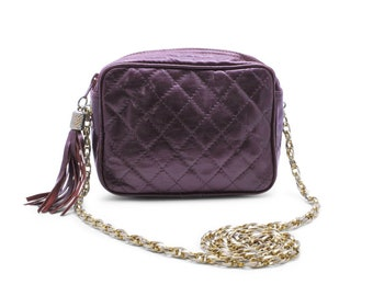 f89b4785117d High Fashion Quilted Vintage 1980s Shoulder Bag Handbag Purse Black Cherry  Mahogany Quilted Leather Gold-Tone Chains Luxury Inspired Canada
