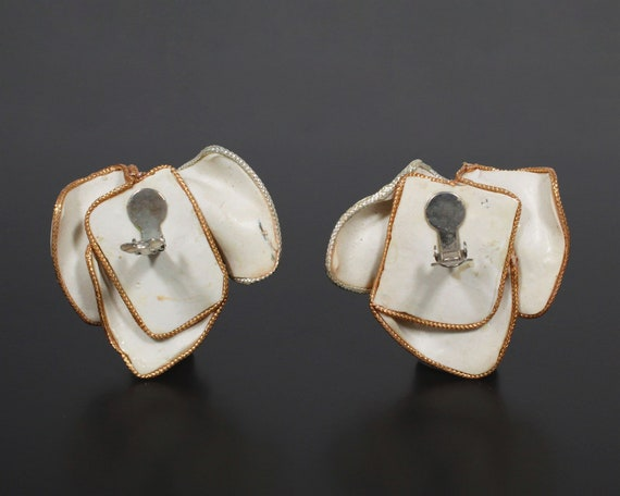 A Vintage Pair of Yizhuang Earrings