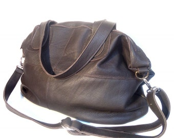 Large leather bag in chocolate brown