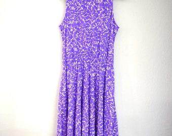 1980s Vintage Darian Purple + White Print Sleeveless Midi Dress with Belt