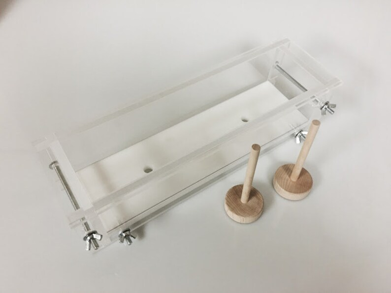 3 lb Acrylic Log Mold  No Lid image 0