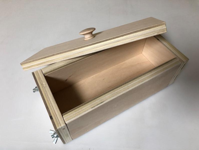 Wood Log Mold 3lb image 0