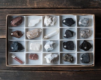 Vintage Rocks and Minerals Collection - 20 Specimens Rock and Mineral Kit, Geology Earth Science Collection, Geology Samples