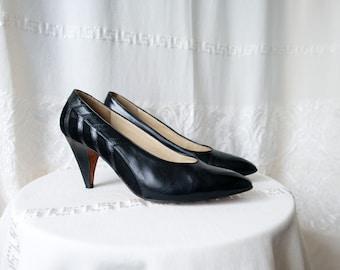 2ca82ff8e53 Black Leather Pumps Nice Detail Size 10.5 Evan Picone
