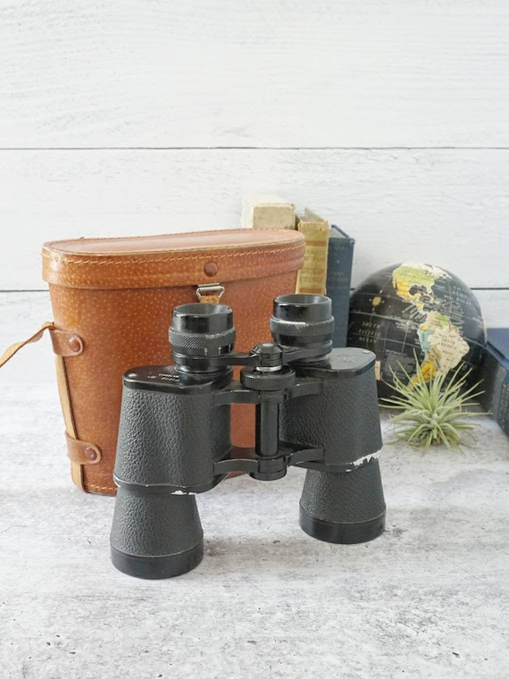 Vintage Tower 8x40 Binoculars in Original Leather Case. 8x40 Coated Field 6 Degrees Binoculars. Made in Japan Binoculars