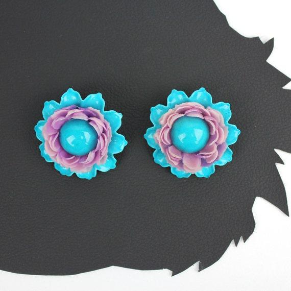 Turquoise & Lavender Metal Plastic 60s Flower cli… - image 2