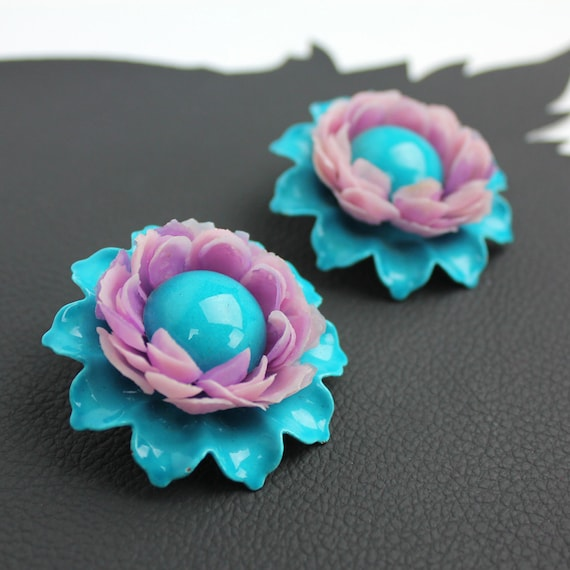 Turquoise & Lavender Metal Plastic 60s Flower cli… - image 1