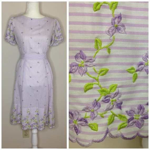 60s Vintage Cotton Dress - Floral Embroidery - Mid