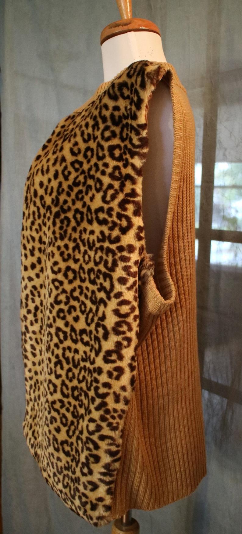 1618 W 90s Vintage Leopard Print Faux Fur Plush Sweater Vest sz