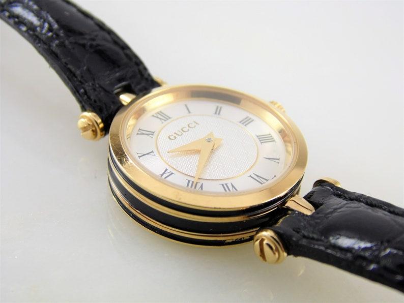 efb601daa38 Rare Vintage Womens Ladies White   Gold Authentic Gucci 2040L