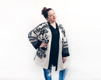New Black /& Ivory Geometric Print Crochet Lace Loose Festival Kimono Jacket 8//10
