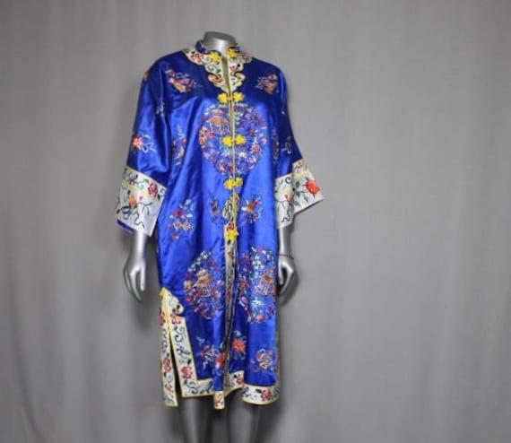 Authentic Vintage Blue Bai Hua Oriental Embroidere