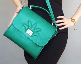 Green leather handbag. Green saddle leather purse. Green embossed crossbody purse.
