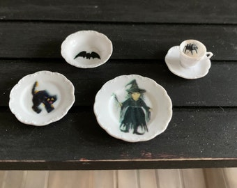DOLLHOUSE - Witch Place Setting In One Inch Scale for a Dollhouse