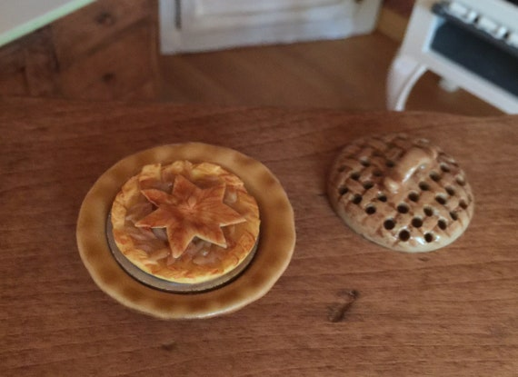 Dollhouse Miniature size Only One Slice LEFT in the pan Mincemeat Pie