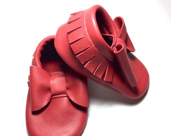 Red Baby Moccasins/ Leather Moccasins/ Baby Shoes Girl/ Toddler Moccasins/ Kids Moccasins/ Newborn Moccasins/ Baby Gift/ Mocs/ Baby Moccs