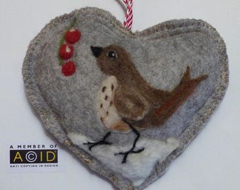 Felted thrush bird with berries in the snow, Personalised Heart hanging decoration, needle feltedbird - scented heart,  with name / words